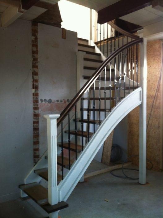 Installatie steekkwart trap