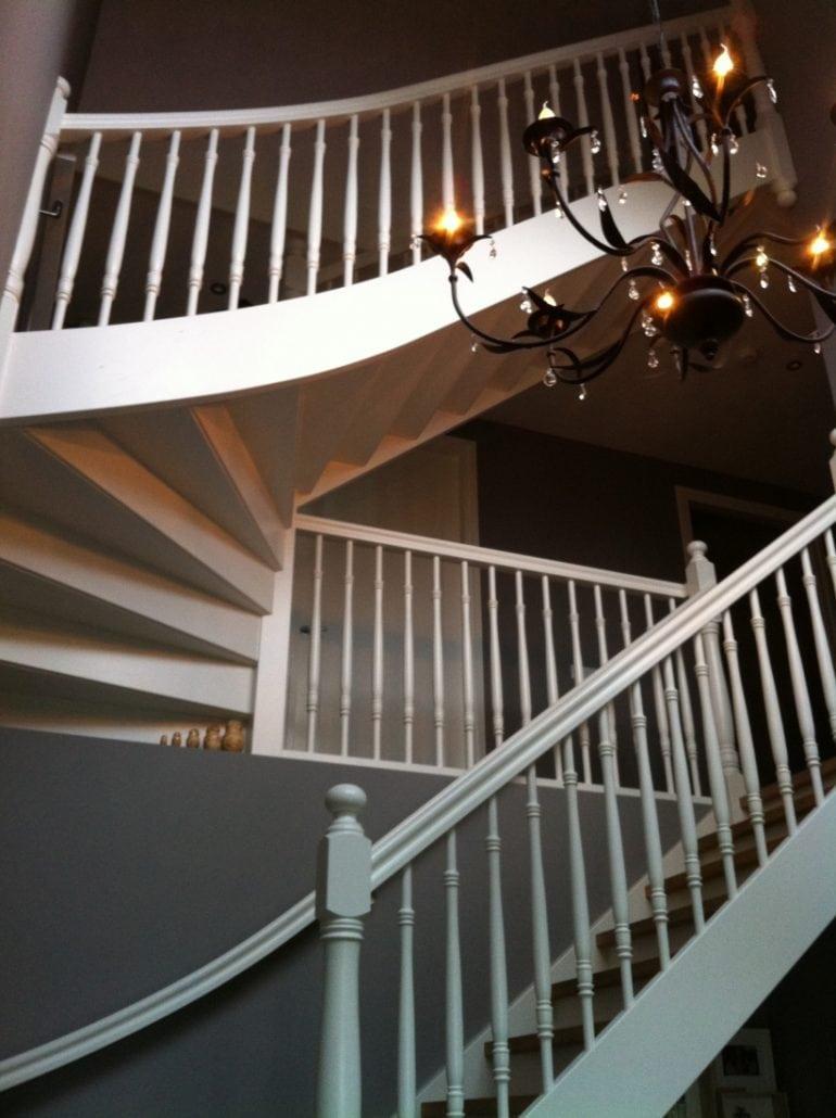 Steekkwart trap geschilderd